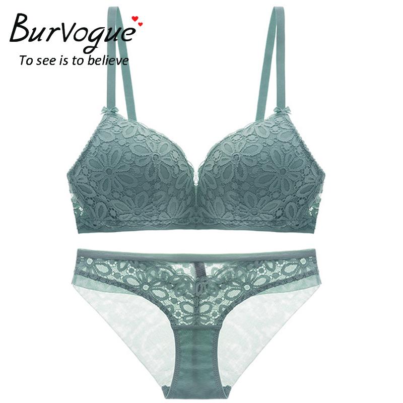 lace-bra-and-panty-set-60221
